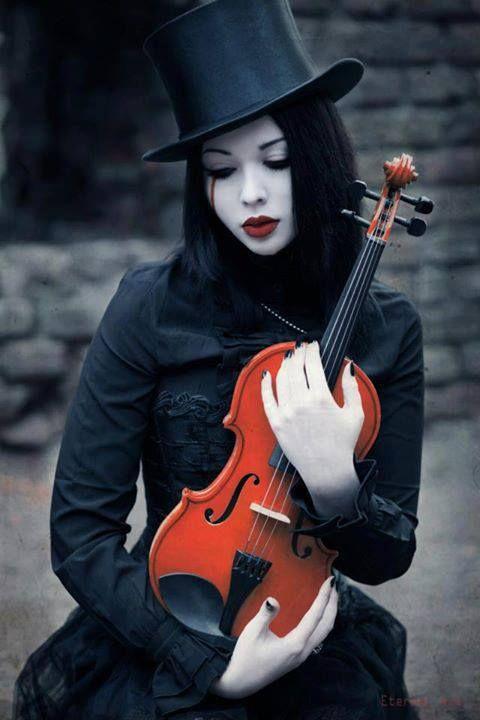 victorian-goth:  Victorian goth http://victorian-goth.tumblr.com/   Follow me, ByPooyie please