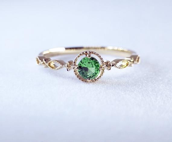Pin By Mikacustomdesign On Accesorios Y Joyeria In 2020 Diamond Alternative Engagement Ring 14k Yellow Gold Engagement Ring Tsavorite Ring