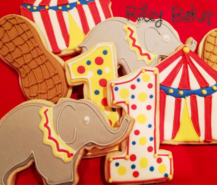 circus tent cookies | Riley Bakes & The 25+ best Circus cookies ideas on Pinterest | Circus theme ...