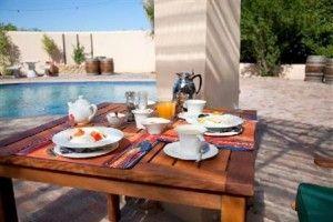 De Leeuwenhof Guesthouse voted 4th best hotel in Paarl iwax.com/paarl/