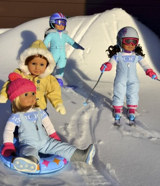 """Show your """"dolls in snow"""" pictures 