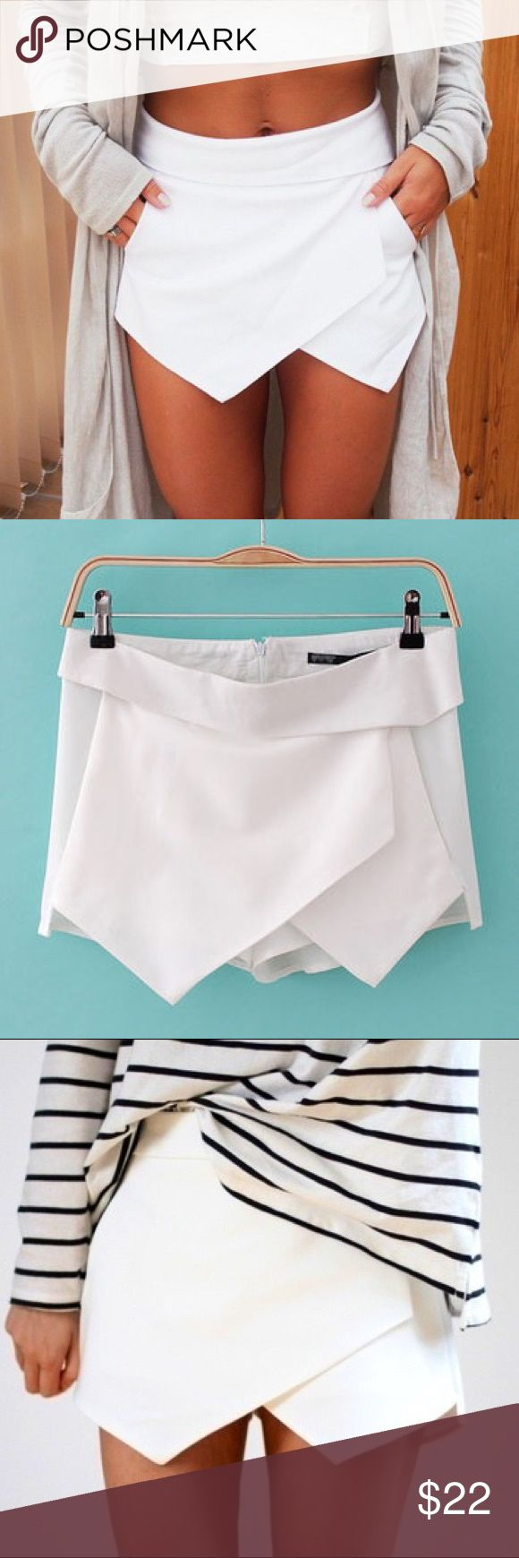 🚨ONE DAY SALE🚨White asymmetrical mini skirt | Mini faldas ...