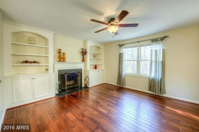 (MRIS) For Sale: 4 bed, 3 bath, 2032 sq. ft. house located at 7 Hickory Ln, Stafford, VA 22556 on sale now for $289,900. MLS# ST9808289. Open House 12/4 from 12-3pm.2 lvl SFH offering 4BR/study,3 full bat...