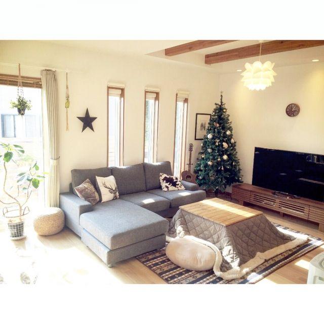 nekomusumeさんの、クリスマスツリー200cm,しまむらラグ,こたつ天板DIY,しまむらのラグ,ニトリソファー,のお部屋写真