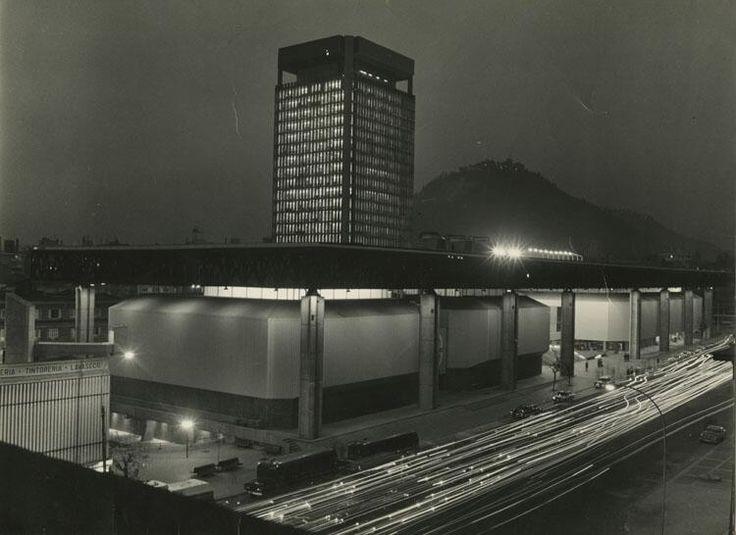 Edificio UNCTAD III, de Santiago de Chile, en 1972. Hoy: Centro Gabriela Mistral, GAM