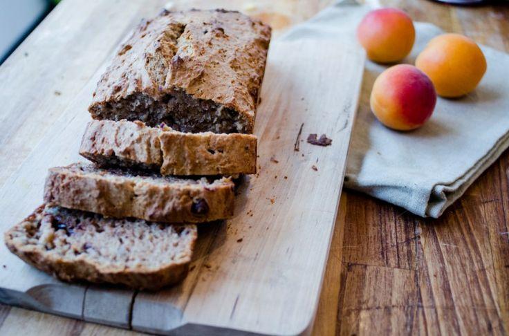chocolate chip banana bread. #bananabread #lowfat #chocolatechips #nuts Банановый хлеб с шоколадом