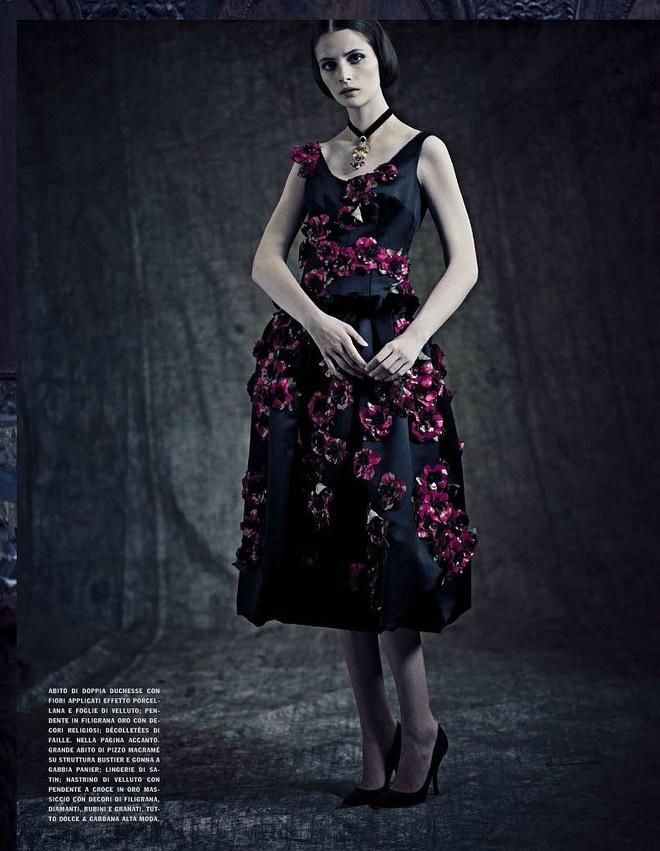 платья из кутюрной коллекции Dolce & Gabbana для сентябрьского номера Vogue Italia.