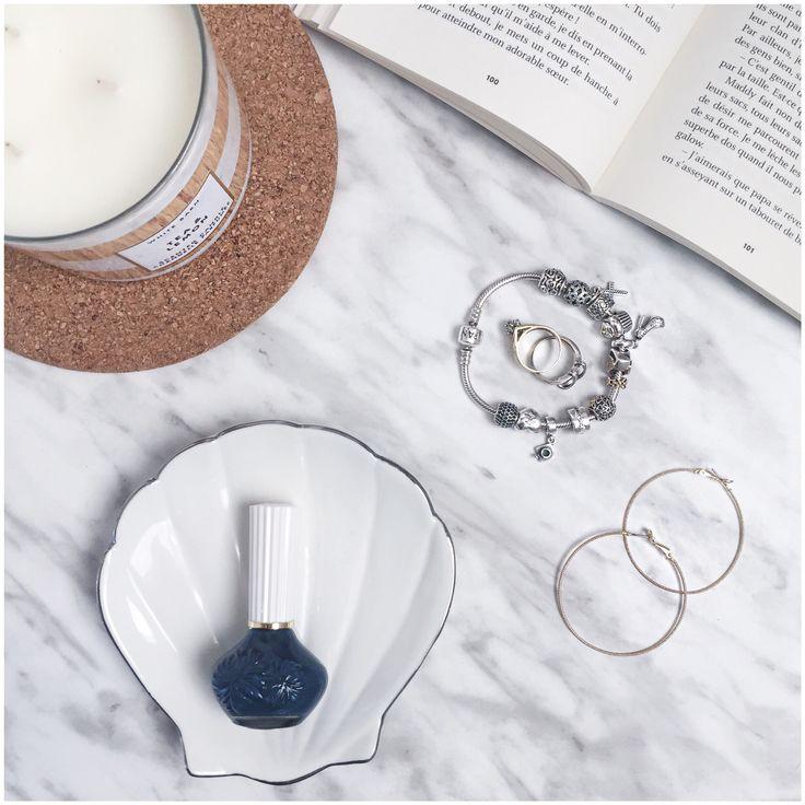 Flatlay - « Jewelry shell » @adreyanee Instagram
