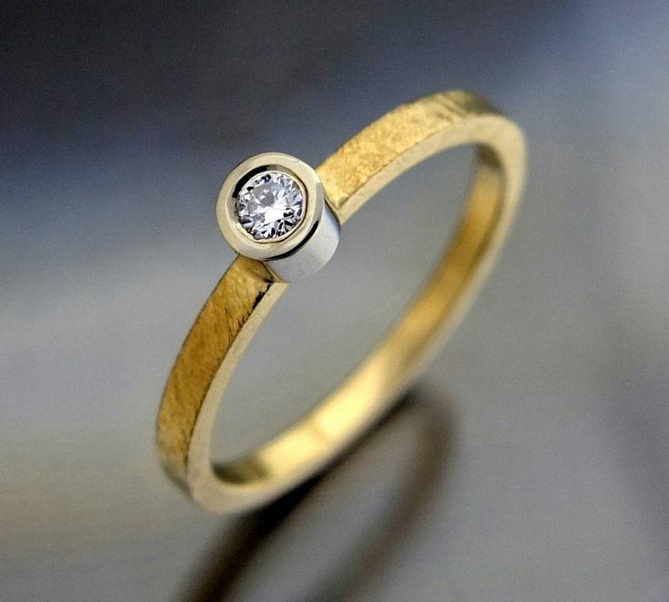 Złoty pierścionek zaręczynowy hand made by BIZOE