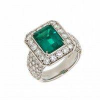 Anello con smeraldo e diamanti #curnisgioielleria #gioielli #collezionestorica #1920 #anello #smeraldo #diamonds #luxury