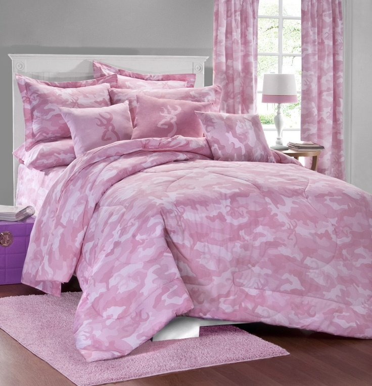 PINK CAMO BUCKMARK BEDDING SET AND ACCESSORIES