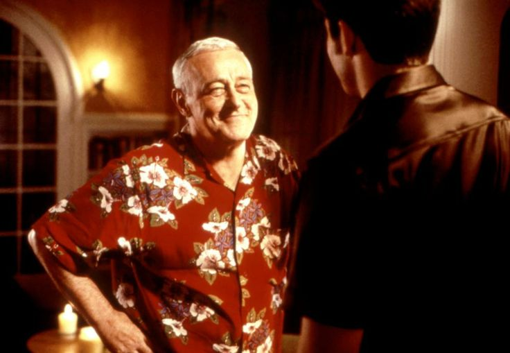 John Mahoney, 2000 | Essential Gay Themed Films To Watch, The Broken Hearts Club: A Romantic Comedy http://gay-themed-films.com/the-broken-hearts-club-a-romantic-comedy/