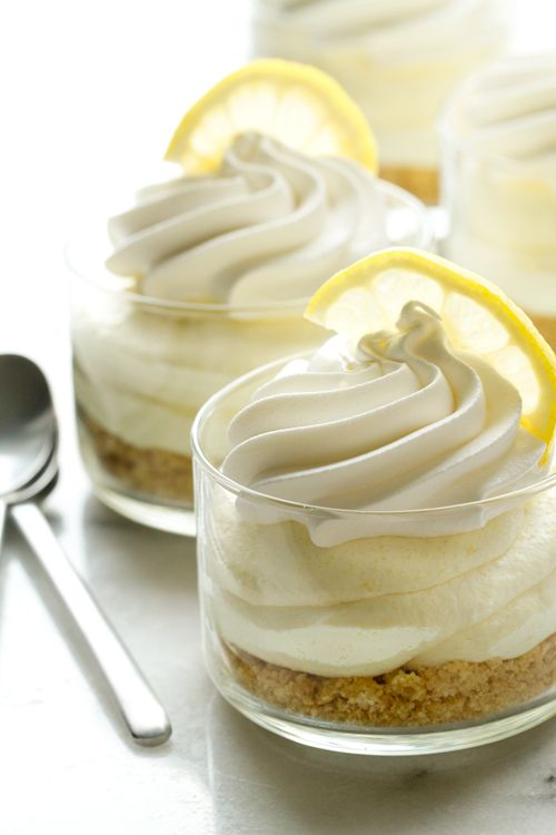 Ditch the Oven For This No-Bake Lemon Oreo Cheesecake
