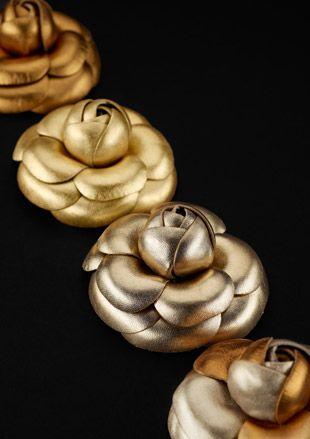 Chanel Camellia Brooch   Camellia is Coco Chanel's favorite flower   #CocoChanel #ChanelCamelia Visit espritdegabrielle.com   L'héritage de Coco Chanel #espritdegabrielle
