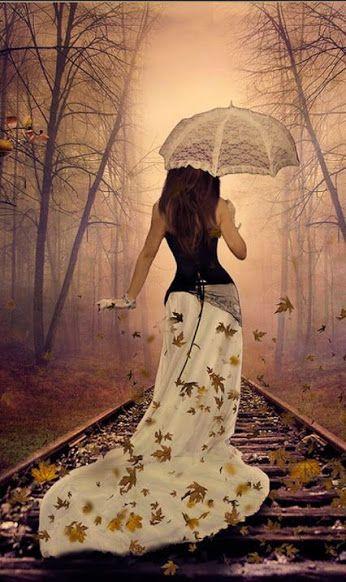 Кажется, кончилось время пейзажей,  Тюбики охры, кармина пусты,  Плачет природа, обидевшись даже,  Капают слёзы дождём на листы.  Съёжились, рыжие, участь известна –  Не трепетать, не шуршать под ногой.  Ветреный ветер сменил лик невесты –  Гонит осеннюю деву нагой.