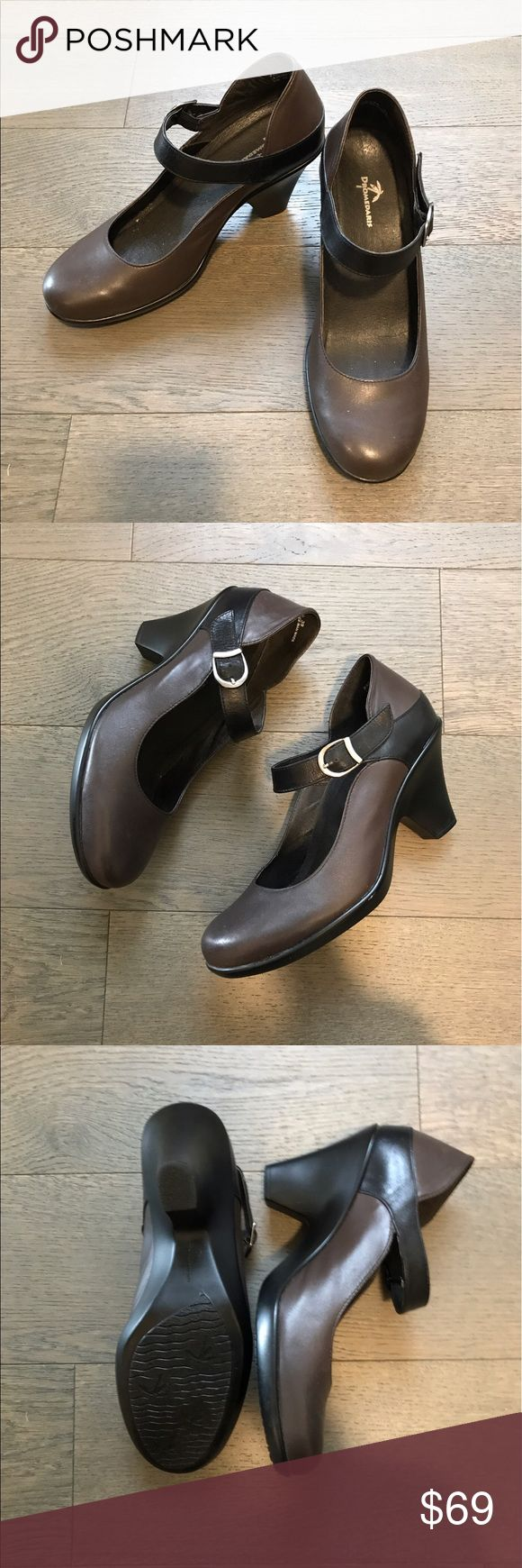 Leather two-toned Heels Leather brown body and black sole/heel shoe. Fits wider feet. Man made, lightly used! dromedaris Shoes Heels