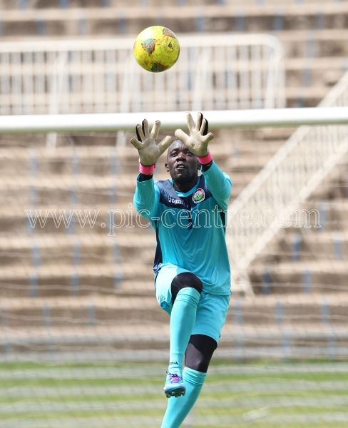 Harambee Stars goalkeeper Jerim Onyango in actionduring training session at Nyayo National Stadium on May 14, 2014. Stars will play Comoros Island in the 2015 AFCON preliminary match on Sunday at the same venue. Photo/Fredrick Onyango/www.pic-centre.com