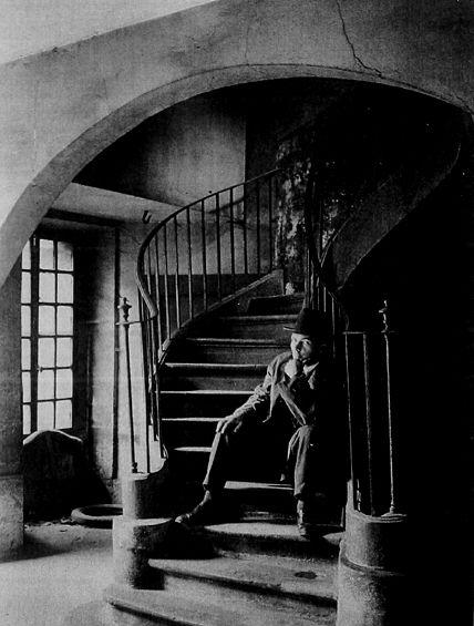 André Kertész. Quartier Latin Paris 1926