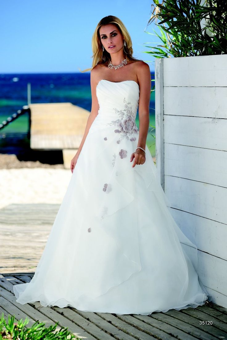 29 best Wedding Dresses images on Pinterest | Wedding frocks, Bridal ...