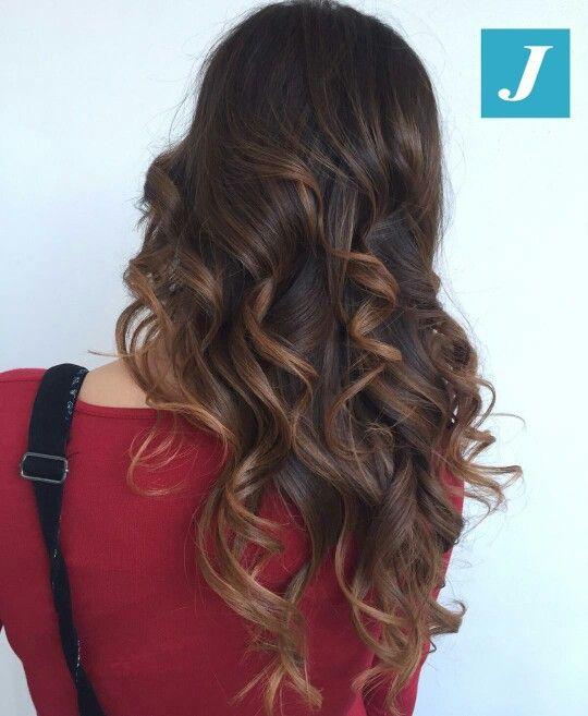 #DegradèJoelle con sfumature nocciola freddo . Ideale per leggere schiariture naturali ◀senza biondo▶. Per un risultato splendido lavaggio dopo lavaggio  provalo con lo shampoo SP Luxeoil, consigliato a chi cerca una ricostruzione del capello intensa senza appesantire. Ingredienti speciali: olio di mandorle, di argan e jojoba  www.degradejoellematera.it   #igers #musthave #hair #hairstyle #haircolour #haircut #ootd #Matera #Potenza #Catanzaro #Napoli #Bologna #Trieste #Roma #Milano #Ancona…