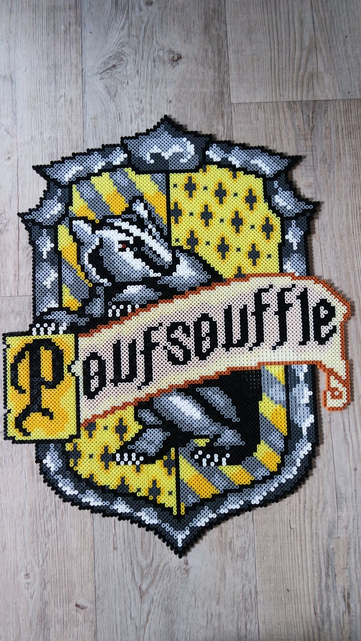 Blason de poufsouffle hufflepuff 39 s crest harry potter perler beads by vicsene perler beads - Harry potter blason ...