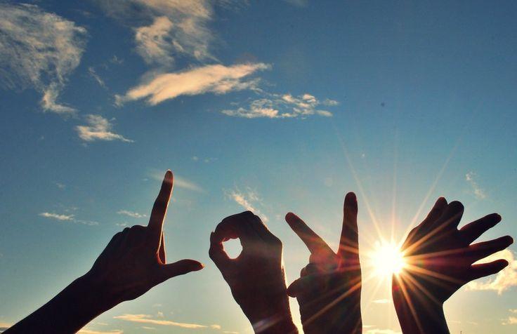 7 песен о Любви   Как много, но одновременно с этим, мало сказано слов о Любви. Ведь человек, находящийся в постоянном желании выразить невыразимое, порой полностью меняет подлинное значение этого слова. Так важно вовремя вспомнить о том, что «Любви не нужно ни силы, ни помощи. Любовь никогда не перестает, хотя и пророчества прекратятся, и языки умолкнут, и знание упразднится».