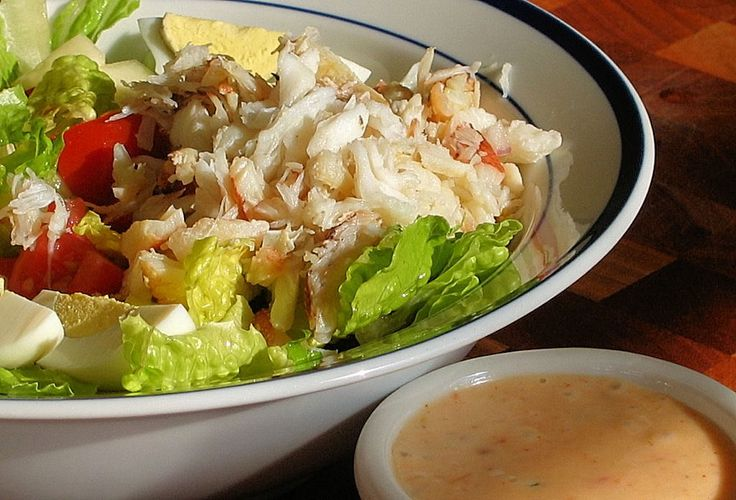 Food So Good Mall: Butter Lettuce Salad Topped with King Crab and Yogurt Lemon Dressing