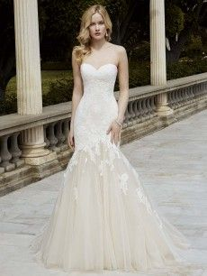 Ibarki- beautiful lace with a soft sweetheart neckline