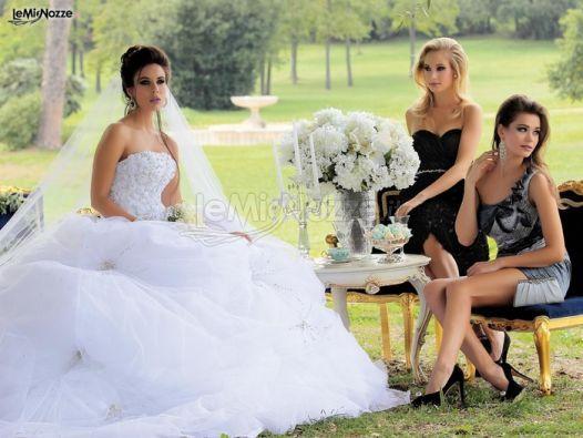 http://www.lemienozze.it/gallerie/foto-abiti-da-sposa/img36965.html Abito da sposa con gonna vaporosa e corpetto di strass