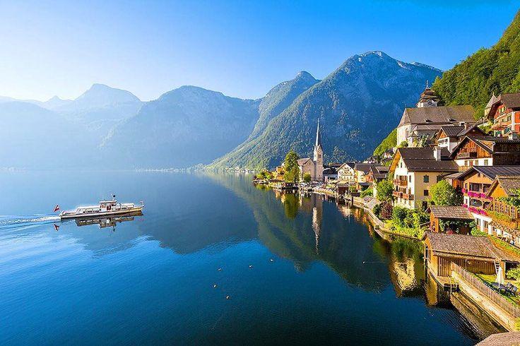 """56 gilla-markeringar, 1 kommentarer - Flygstolen (@flygstolen) på Instagram: """"Vackra Hallstatt i Österrike är som hämtat från ett vykort! ⛰ #instatravel #travel #resa #semester…"""""""