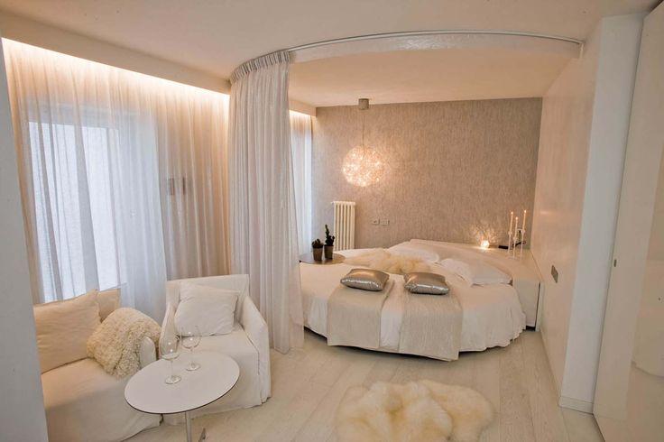 Camera New York, hotel di charme Villa Klofer Wonderland Resort a Campitello di Fassa. #trentinocharme