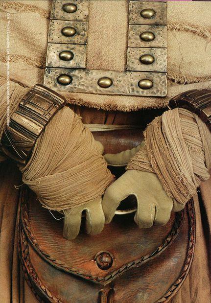 Female Tusken Raider costume detail