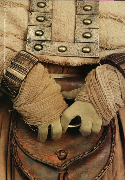 Female Tusken Raider costume detail