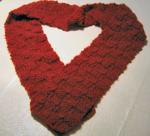 If You Can Count to 4, You Can Knit This Easy 4x4 Red Scarf: 4x4 Red Woven Scarf.