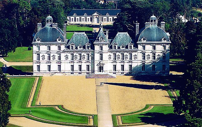 Chateau de Cheverny  Built between 1604 and 1634 and never altered, it presents an immaculate picture of symmetry, harmony and the aristocratic good life – descendants of the first owners still own, live in and go hunting from Cheverny today.