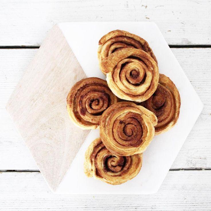 Paashoppen, op naar de familie om lekker te brunchen!  #cinnamonrolls #cinnamon #danerolles #brunch #easter #happyeaster #pasen #paasbrunch #marble #hubschinterior #lijnmfornow