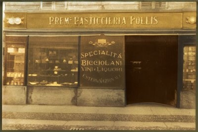 The Travel Eater: a legendary patisserie in Vercelli since 1904: Follis