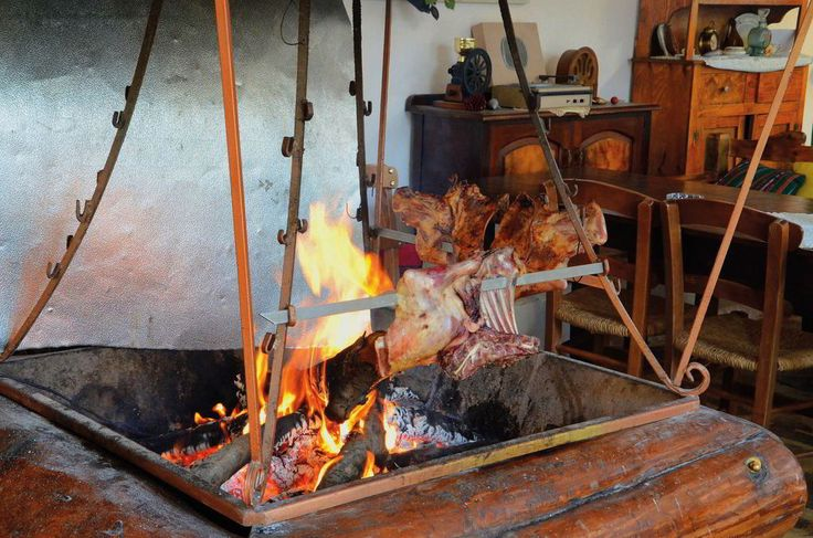 """""""Antikristo"""": Lamp meat specialty that you must search in order to complete your gastronomic experience in Crete."""
