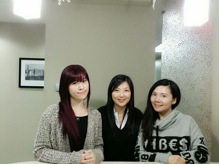 YouTube filming with Amelie and Jody for free Korean lessons  수업 (su-eop) = class, lesson  www.mylanguageconnect.com