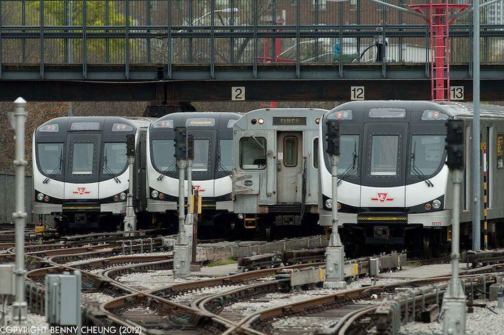 Toronto subway and RT - Metro System
