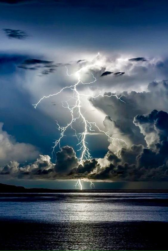 Gabriella's beautiful world: Lightning Photograph: unknown to the author (Pinterest) 'Lies save trouble now, but may return in thunder and lightning. - Mason Cooley http://bit.ly/2FGQ0te