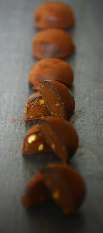 Salted Caramel and Peanut Truffles www.amuseprivatecaterers.co.uk #snickers #weddings #saltedcaramel