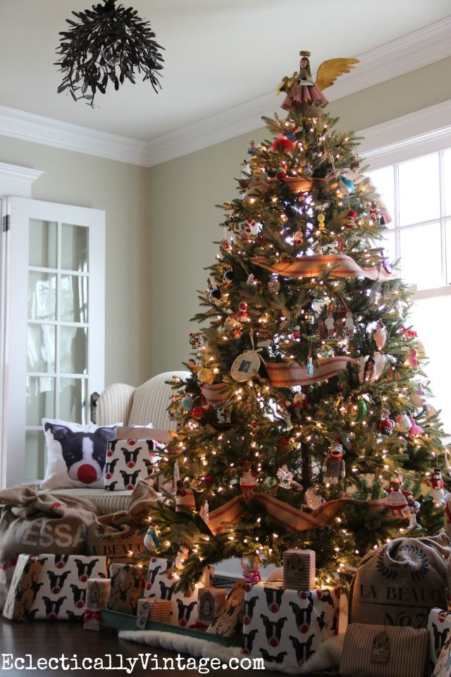 This Fraser Fir Christmas tree from Balsam Hill looks so life like! eclecticallyvintage.com.....2014