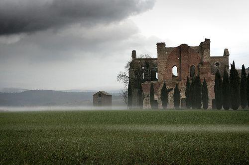 L'abbazia di San Galgano near Siena, Italy