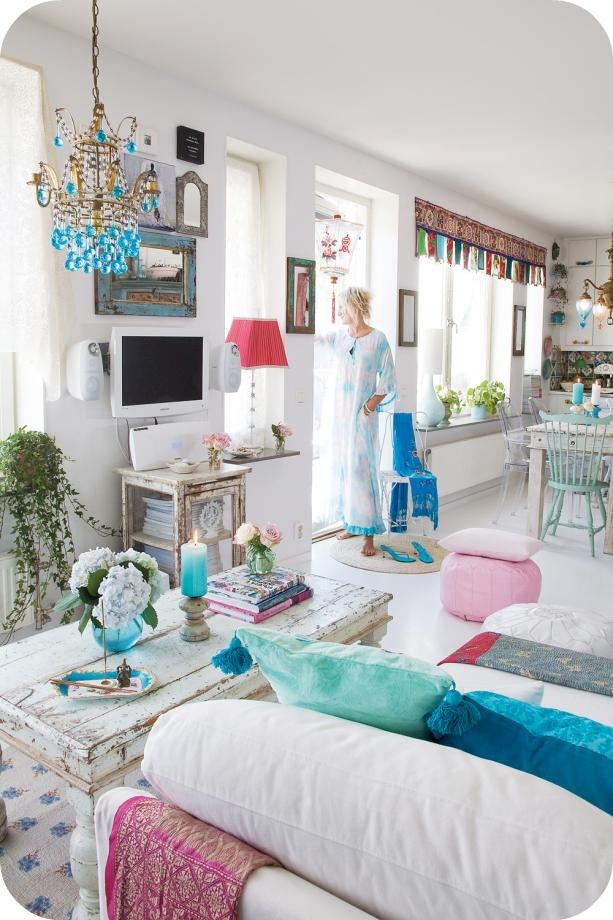 Sweet as a Candy: Swedish & Colorful.  LOVE this and want to move in!