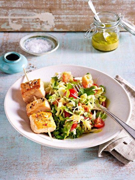 Lecker essen und über Nacht ordentlich Fett verbrennen - mit unseren Rezepten für ein kohlenhydratarmes Abendessen gelingt das ganz leicht