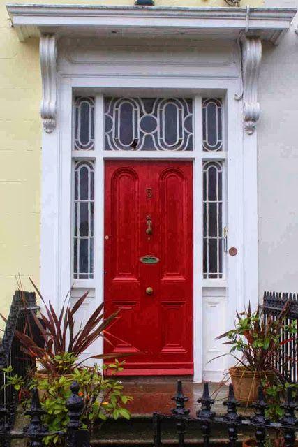 Die Türen von Dublin – typisch für die Hauptstadt von Irland.