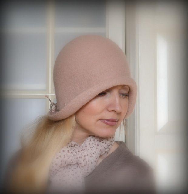 """Gallery.ru / """"Голубка сизокрылая"""" из коллекции """"Сады Семирамиды - Шляпки. Hats. - irina-spasskaya"""