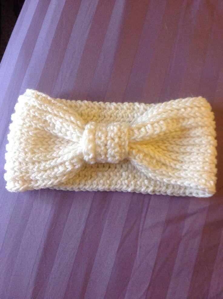 Crochet headband ear warmer Original pattern from: http://www.ravelry.com/patterns/library/ribbed-bow-ear-warmer-pattern