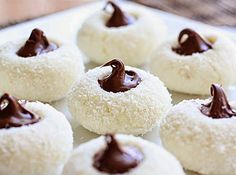 KOKOS KOLAČIĆI SA ČOKOLADOM MENI BOLJI I OD RAFAELA – Torte i kolacici